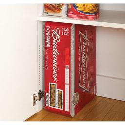 1cmピッチ&段違いで使える ハーフ棚板たっぷり収納庫 幅88cm 【ポイント】 底板がないので棚板を外せばビールケースなどの大きなものも床置き収納が可能です。