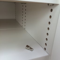 1cmピッチ&段違いで使えるハーフ棚板たっぷり収納庫 幅88高さ70cm 棚板は1cmピッチで微調整が可能です。