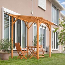 ウッディーストレートパーゴラ ガーデンファニチャーを置いて、外でのティータイムを楽しんで。