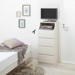 組立簡単チェスト4段 幅28高さ112cm 幅28cmタイプは10Vのテレビ台としてもOK。 ※写真は4段・幅44cmタイプです。