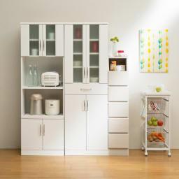 組立簡単チェスト5段 幅44高さ133cm ※写真は5段幅28cmの使用例。