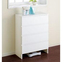 引き出し内部&背面化粧仕上げチェスト 幅45cm・奥行45cm ホワイト色が清潔感を感じるサニタリーチェストです。(※写真は幅60奥行30cmタイプです。)