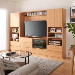小さなリビングにきちんとおさまるコンパクト壁面収納 収納庫 テレビ台 幅140cm コーディネート例(イ)ナチュラル