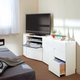 ダイニングテーブルから見やすいハイタイプテレビ台左コーナー用(左壁用) 寝室にもオススメ。