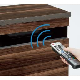 光沢引き戸テレビボード テレビ台 幅89cm 引き戸を閉めたままリモコン操作ができます。