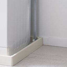 防水パンの段差対応 突っ張りランドリーラック 棚3段 防水パンの中にもぴったり設置。
