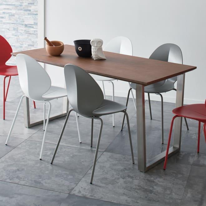 GlanPlus/グランプラス ウォルナットダイニングテーブル 幅160cm コーディネート例 ※お届けはダイニングテーブルです。