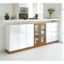 北欧風モダンカウンター下収納庫 幅120cm キッチンカウンターの下を、備え付けのような収納空間にすることができます。
