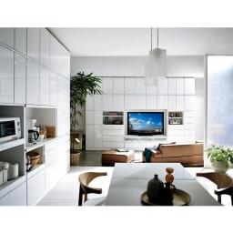 LDK壁面収納(高さ200cm) ダイニングボード ガラス扉 幅121cm コーディネート例(ア)ホワイト(光沢無地)