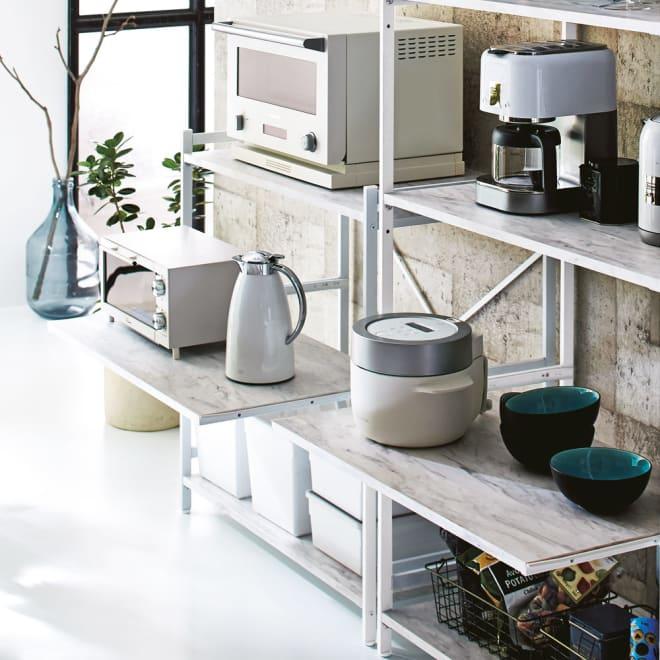 Milia/ミリア 大理石調天板キッチン収納ラック ロー 幅83.5cm 真ん中の棚板はスライドテーブル仕様です。
