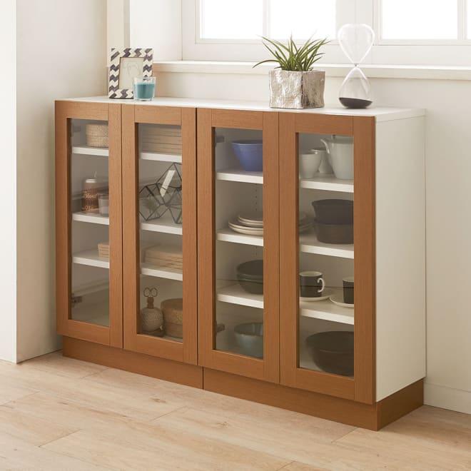 北欧風モダンカウンター下収納庫 クリア扉 幅60cm おしゃれな食器や雑貨を飾る収納を楽しめる、クリア扉の収納庫です。 ※写真は2台並べて使用しています。