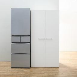 清潔に安心して使える 食器からストックまで入るキッチンパントリー収納庫 幅90奥行55cm 閉めればすっきり!