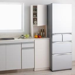 1cmピッチで幅が選べるキッチンすき間収納庫 ハイタイプ高さ180cm 扉タイプ(右開き) 【幅30~45cm】 (イ)ホワイトシカモア(木目調) ※写真は幅44cmです
