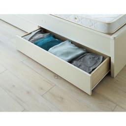 【シングル・西川ポケットマットレス付き】大容量引き出し&ガス圧跳ね上げ収納ベッド 普段使いのタオルや衣類などは引き出しへ。
