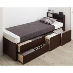 西川マットレス付き棚付省スペースベッド(ショート/レギュラー) 引き出しは最大31.5cmまで引き出し可能。スライドレール付きで開閉スムーズ、出し入れ簡単。