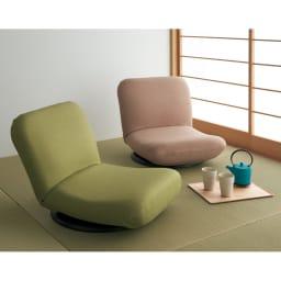 特許を取得した腰に優しい回転座椅子 ロータイプ 左から(ア)ベージュ、(ウ)グリーン