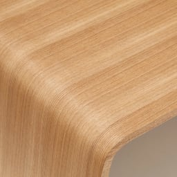 Poski/ポスキ デザインリビングテーブル ナチュラル テーブルの天板は木の質感が感じられる様になっています。