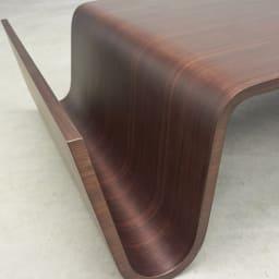 Poski/ポスキ デザインリビングテーブル ナチュラル 角は木を丁寧に曲げており、柔らかなイメージ