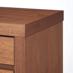 Aterre(アテール) PCデスクシリーズ キャビネット 幅120.5cm 厚さ約4.5cmのフレームがくっきりと際立ち、お部屋の印象を引き締めます。
