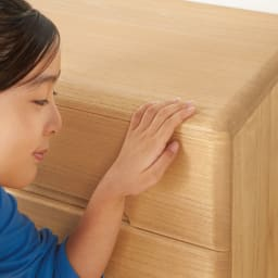 【天然木のあたたかみが魅力】角が丸くて優しい総桐チェスト 6段 幅99高さ99cm すべての角を丸く仕上げました。お子さまのいるご家庭でも安心の、優しい仕上げです。