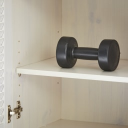 省スペースで快適なルーバー扉シューズボックス(幅90、高さ90cm) 棚板耐荷重は約5キロ。