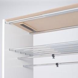 カーテン&木製サイドパネル付き 奥行68cm伸縮頑丈ハンガー 棚付きタイプ・幅117~200cm 棚高さ32cmのスペースを確保。収納ケースはバッグ類の収納に便利です。