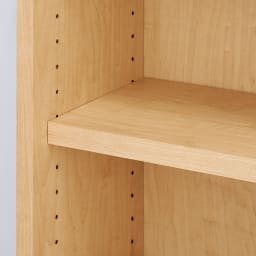 棚板の位置が選べる本棚(幅118cm本体高さ180cm) 棚板は3cm間隔で高さ調節が可能。