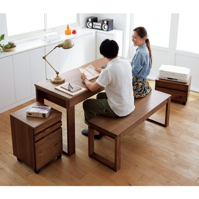 オーク天然木カフェ風デスク 幅150cm コーディネート例(イ)ダークブラウン ※お届けはデスク幅150cmです。