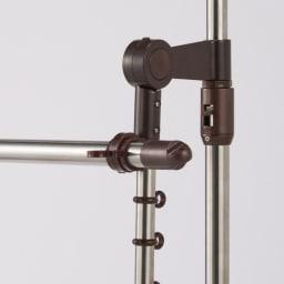 突っ張り物干し 竿2本付き 洗濯物の長さに合わせ、竿受けの角度が7段階に調節できます。