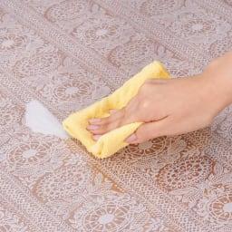フィンレイソン柄 透明キッチンマット(抗菌仕様)) 汚れても拭き取るだけでお手入れ簡単。