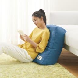 クッションになる布団収納袋 色が選べるお得な2枚セット [使用イメージ] (イ)ネイビー