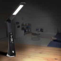 充電式LEDスタンドライト デジタル表示 点灯時