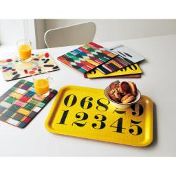Eames/イームズ ランチョンマット 6枚組  ※手前の黄色いお皿の載っているトレーは別売りの商品です。