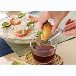 UCHICOOK/ウチクック おろしスプーン USC6 にんにくやわさびのすりおろし等、調理に幅広く使えます!