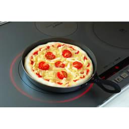 【本格ピザ焼きプレート】 オークス Leye/レイエ グリルピザプレート コンロで焼いてそのまま魚焼きグリルに入れられます。