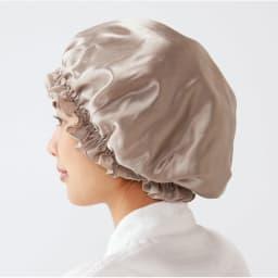 綿シルク ナイトキャップ きつすぎないゴム入り。ロングヘアや量の多い髪もすっぽり包むゆったりデザイン。