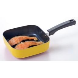 1台7役 便利に使えるスクエアパン 電磁調理器使用可能  鮭も2匹入ります!お弁当に便利