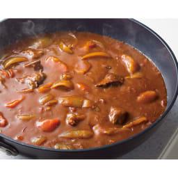 ウー・ウェンパン プラス フルセット 径24cm ガス用 カレー 深さがあるので、カレーも煮物も一度にたっぷり作れます。