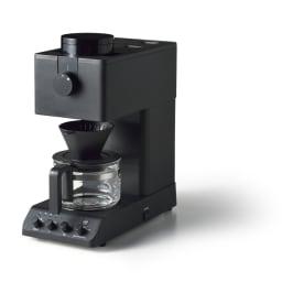 「カフェ・バッハ」 田口護氏監修 全自動コーヒーメーカー3杯用 (TWINBIRD CM-D457B) マットなブラック色で、スタイリッシュなデザインも魅力です。