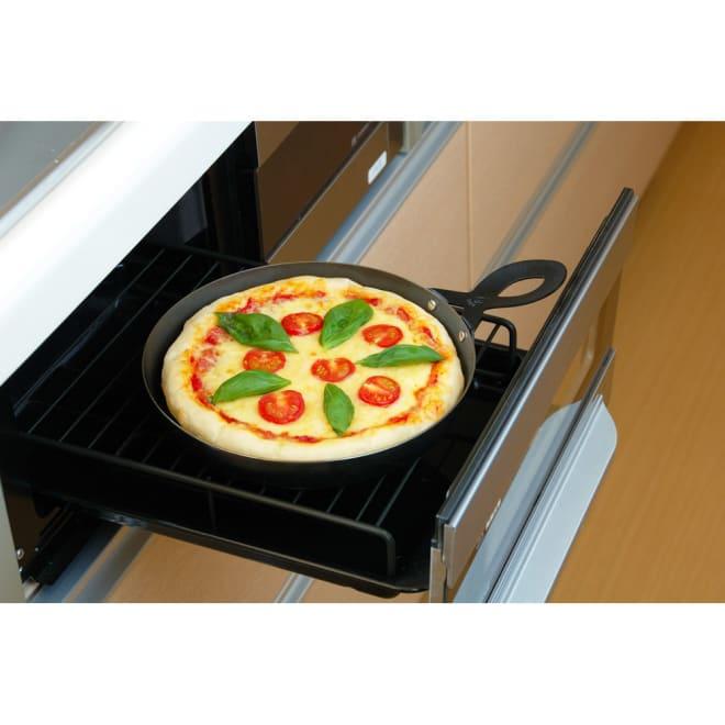 【本格ピザ焼きプレート】 オークス Leye/レイエ グリルピザプレート グリル内に収まる小ぶりなサイズ。
