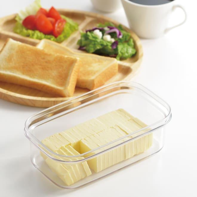 プレミアムカットできちゃうバターケース ギュッとひと押し、約5gのうす切りにカットできる!