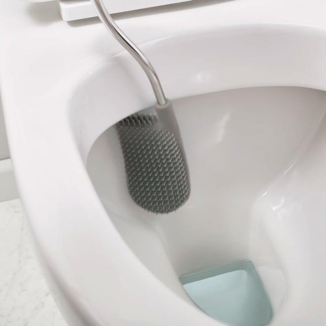 Joseph Joseph/ジョセフジョセフ フレキシブルヘッドトイレブラシ ライト 届きづらいフチ裏にもしっかりフィットし、汚れをかき出します
