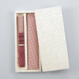 白竹堂 扇子「ペイルドロップ」 化粧箱でお届けします。
