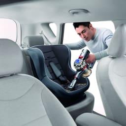 dyson/ダイソン SV11スティッククリーナースペシャルセット【V7モーター搭載】 ハンディーにすれば車の中まで掃除が楽々