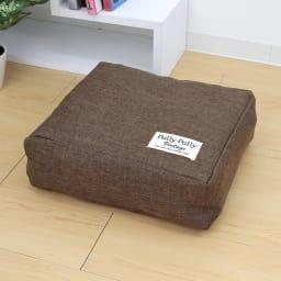 タオルやブランケットがクッションになる収納袋 (ア)ブラウン