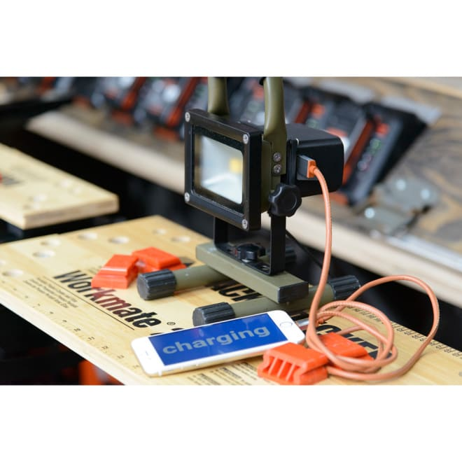リチャージライト USBで給電もできる!充電式のおしゃれなライト。(ウ)カーキ