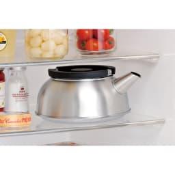 IH対応国産ステンレスフラットケトル 天面がフラトになるので鍋などを上において収納できます