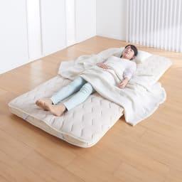 家族の寝具のニオイ対策に!フレッシュ&ドライ消臭除湿敷きパッド 敷きパッド ニオイやジメジメを気にせず、朝までぐっすり。