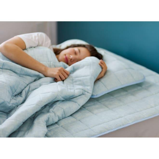 【2018年モデル】オーガニックコットンのナガークールシリーズ 敷きパッド (ア)モクブルー 表地のガーゼのやさしさにひんやり感が加わり、気持ちの良い寝心地の敷きパッド。直接マットレスや敷布団にセットできるパッドシーツタイプ。さらに、オーガニックコットンの2重ガーゼタイプでやわらかい肌ざわり。