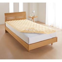 シングル(布団を包めるなめらか毛布シリーズ リバーシブル敷きパッド) 敷きパッド マイクロパフの暖か面と綿シャーリングのサラサラ面でふんわり中わたをサンド。リバーシブルで使えます。